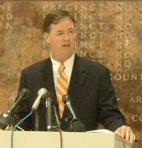 photo of Bill Hawkins at press conference