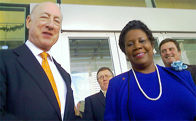 image of Metro Chairman David Wolff and Congresswoman Sheila Jackson-Lee