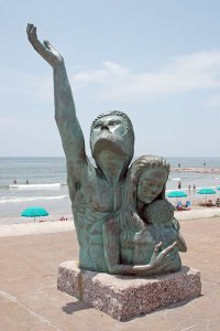 Statue commemorating the Galveston hurricane of 1900
