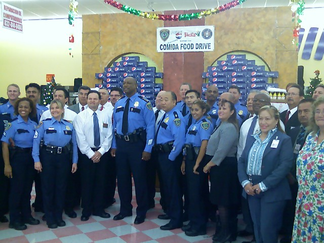 group shot of HPD Officers with Chief Charles McClelland