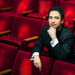 Houston Symphony Director Hosts First-Ever Concert With Spanish Dialogue