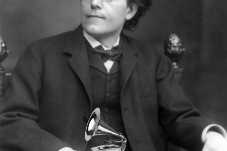 Gustav Mahler with poorly PhotoShopped Grammy.