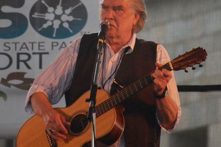 Guy Clark performing