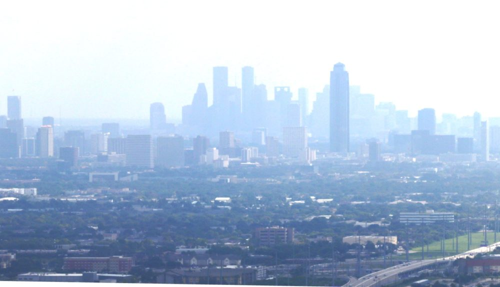 Houston does not meet US EPA limits for ozone pollution